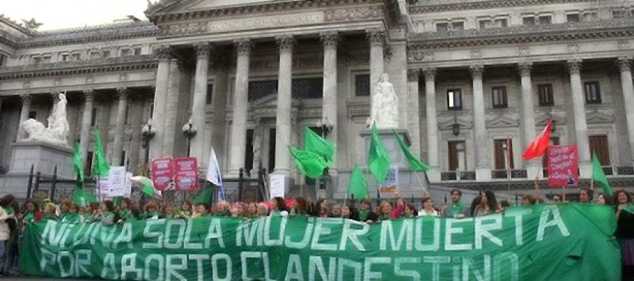 Aborto, bioética y religión: ¿Cómo influye la religión en las decisiones sobre aborto en Argentina?