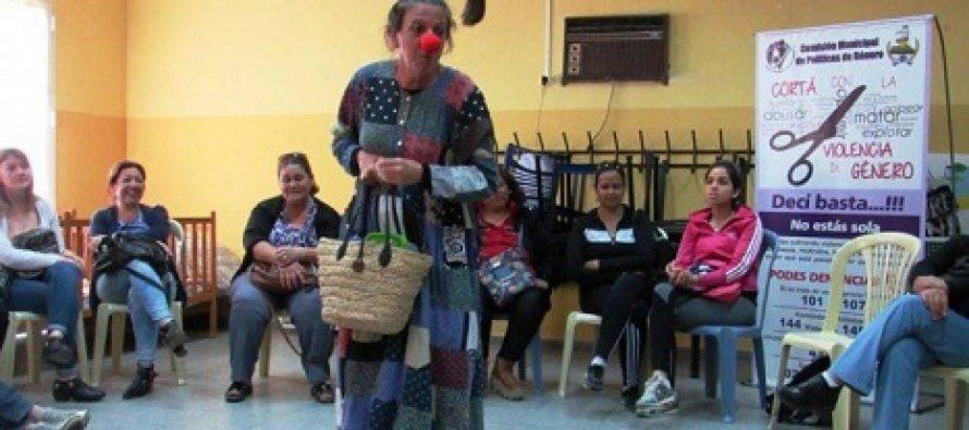 'Mujeres en ronda' que ríen, se emocionan y hablan de violencia