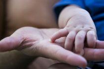 Un fallo civil ordenó que un hombre indemnice a su hijo