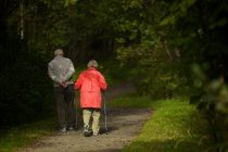 Las ancianas viven más pero peor con respecto a los hombres de esa edad