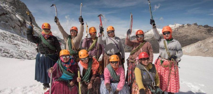 Las Cholitas escaladoras llegaron a la cima del Aconcagua