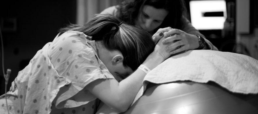 Maternidad: cómo es el parto junto a una doula