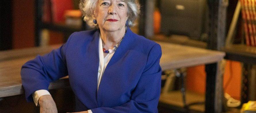 María Ángeles Durán: «La sociedad recompensa con pobreza, marginalidad, dependencia y soledad a quienes se dedican a cuidar»