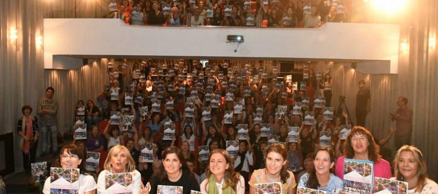 """Mujeres Sindicalistas presentan nuevo material de formación: """"Las mujeres,  el trabajo y la comunidad organizada"""""""