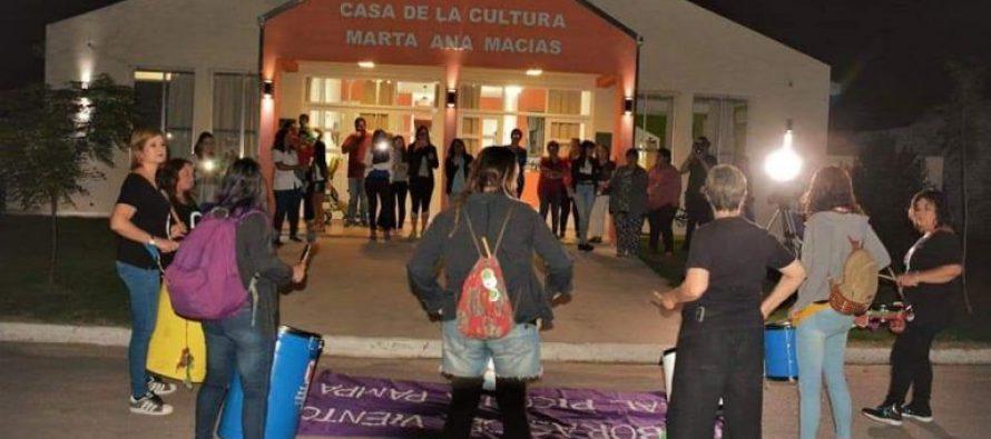 """La plaza de Pichi Huinca pasó a llamarse """"Mujeres Del Pueblo"""""""