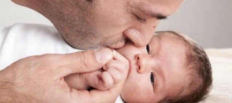 España extendió la licencia por paternidad para igualar a hombres y mujeres