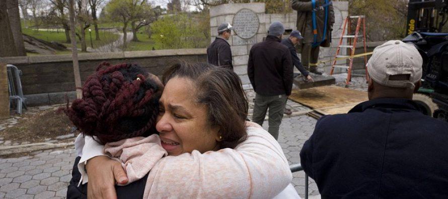 Nueva York retira la estatua del ginecólogo que experimentó con esclavas negras