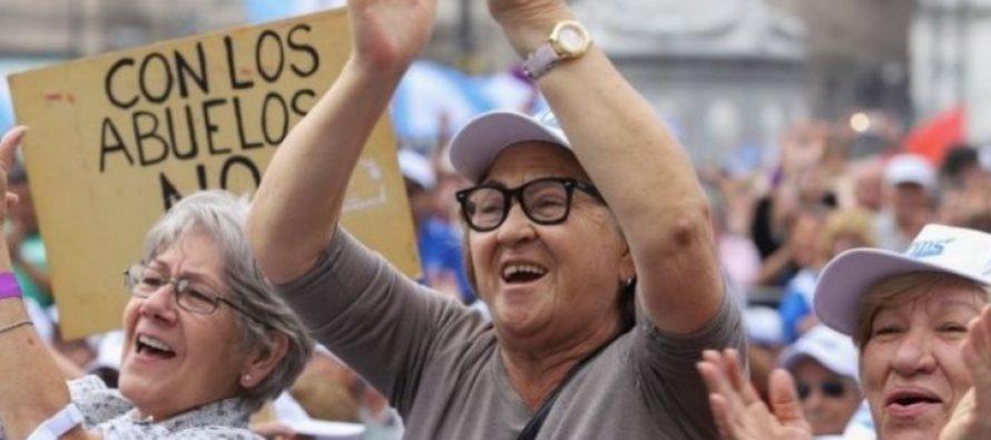 """Las jubilaciones de """"amas de casa"""" empoderaron a las mujeres dentro el hogar"""