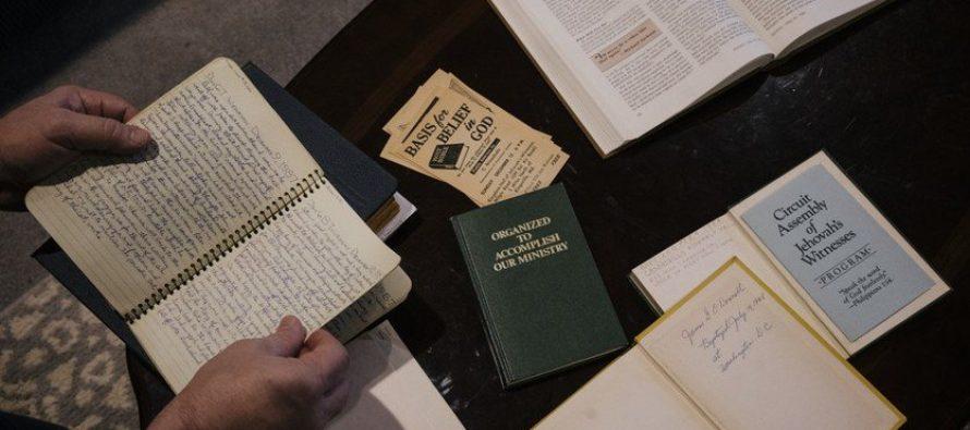Testigos de Jehová escondieron por años miles de casos de abuso en la infancia