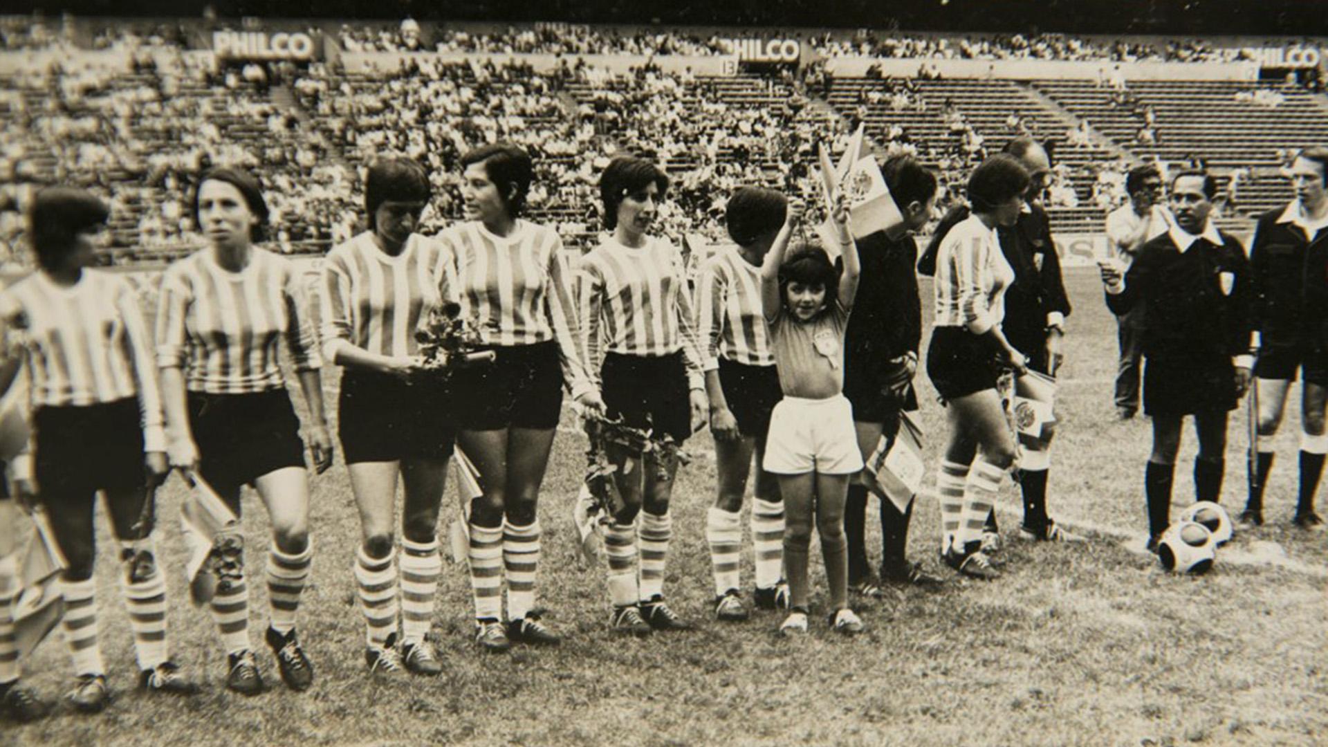 La historia oculta de las 16 mujeres de la selección invisible de México '71