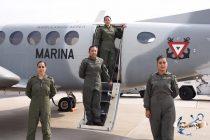Marina crea la primera tripulación aérea de mujeres
