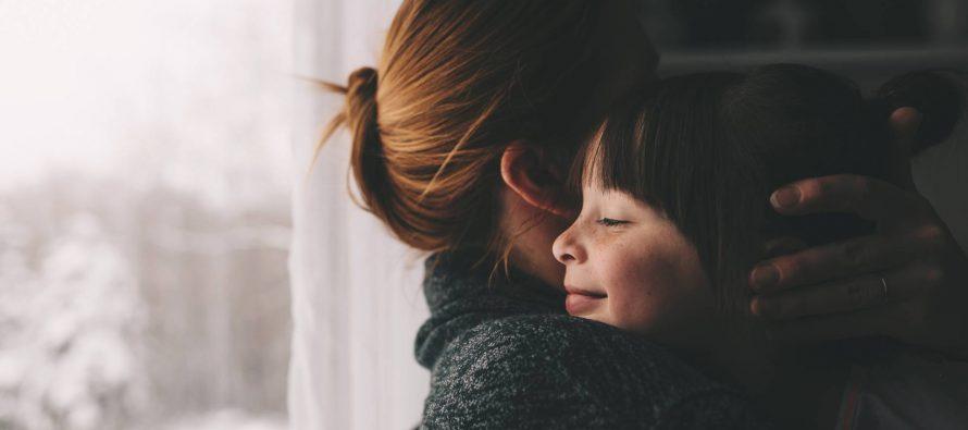 """Esther Vivas: """"La maternidad debe ser feminista. Hay que rescatar a las madres del patriarcado"""""""