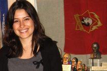 """Arzu Geybullayeva """"Los ataques en internet paralizan nuestro trabajo como periodistas"""""""