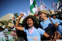 Miles de brasileñas se manifestaron en oposición a Jair Bolsonaro