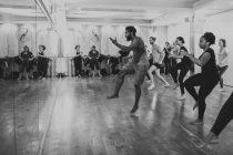 Danzar y danzar para sanar las heridas de la violencia sexual