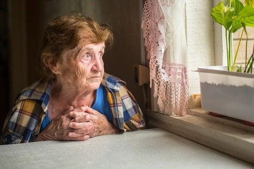La devastadora soledad de adultas y adultos mayores