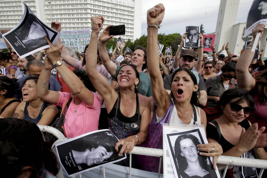 Las mujeres, botín de la dictadura argentina