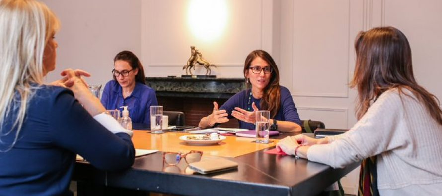 Ministras coinciden con petitorio de la sociedad civil: «Los violentos tienen que irse del hogar»
