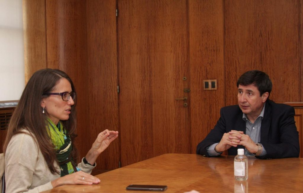 Gómez Alcorta y Arroyo firmaron un convenio para incluir a personas en situación de violencia en el programa Potenciar trabajo