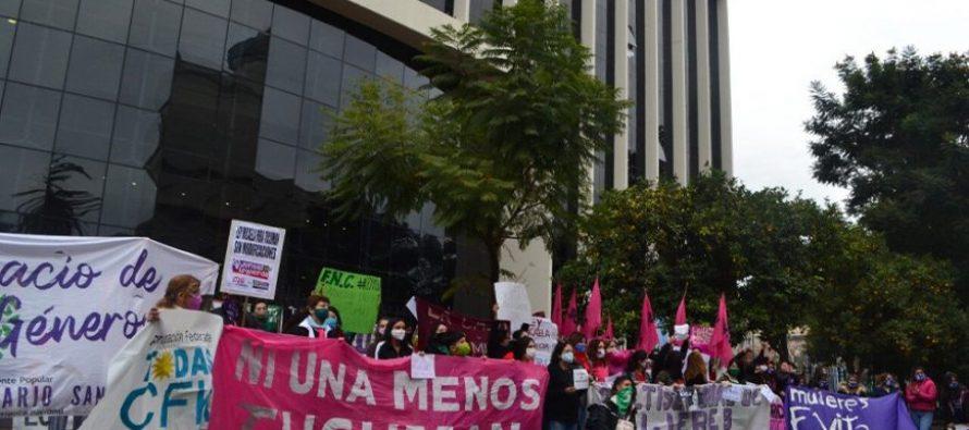 En medio de un intenso debate, se aprueba la adhesión a la Ley Micaela en Tucumán