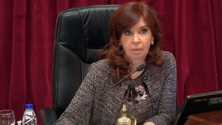 Alberto Fernández acordó con Sergio Massa convocar a sesiones extraordinarias y aún evalúa enviar al Congreso la ley de aborto