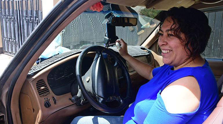 """Nuevo servicio de taxi """"de mujeres para mujeres"""" crece en la ciudad"""