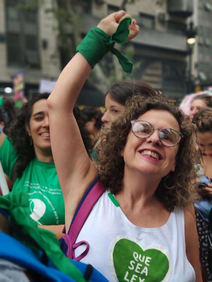 """María de los Ángeles Roberto, teóloga: """"el tutelaje de las iglesias sobre el cuerpo de las mujeres es inadmisible"""""""