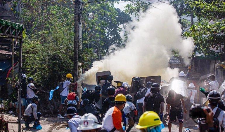 En Myanmar el 8M se conmemora en las manifestaciones, que ponen freno al regreso de los militares al poder